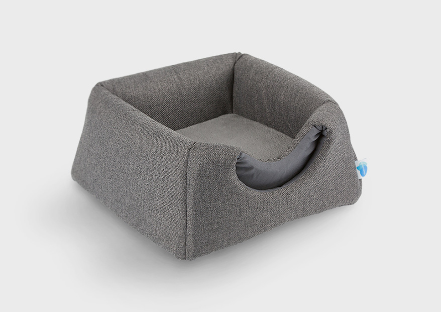 2 in 1 Cuddler/Cat House from Messy Cats