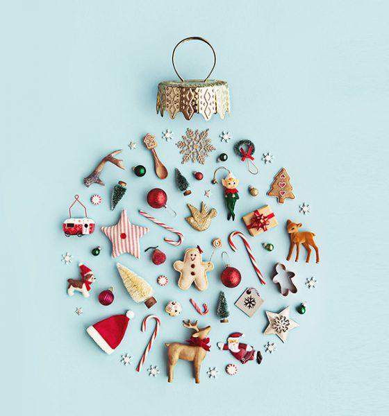 Christmas decors make a circle shape