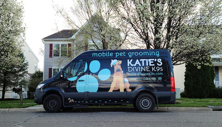 Katie's Divine K9S mobile groomer